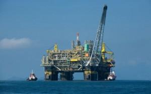 Τουρκική φρεγάτα παρακολουθεί τη γεώτρηση στην κυπριακή ΑΟΖ