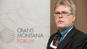 Καθηγητής Anis Bajrektarevic: «Η Ουκρανία είναι όμηρος ενός διλήμματος»