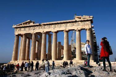 Ρεκόρ αφίξεων και εσόδων από τον τουρισμό το 2014