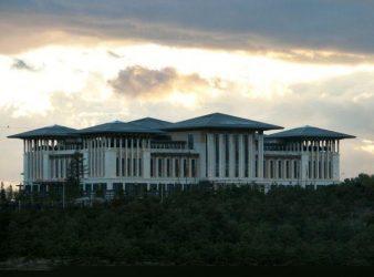 """Ο """"Μεγάλος Αδελφός"""" της Τουρκίας βρίσκεται μέσα στο Παλάτι του Ερντογάν"""