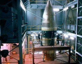 Νέο διηπειρωτικό πύραυλο πρόκειται να αναπτύξουν οι ΗΠΑ σε απάντηση της ρωσικής κούρσας πυρηνικών εξοπλισμών