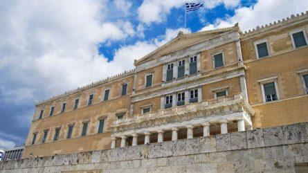 Πόσο καθοριστική είναι η ψήφος των 3 μουσουλμάνων βουλευτών του ΣΥΡΙΖΑ για το μέλλον της κυβέρνησης