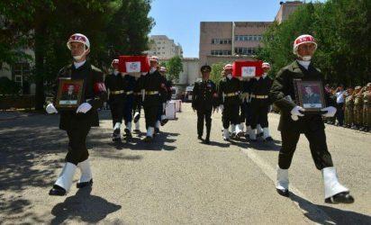 Στους 61 έφτασαν οι νεκροί Τούρκοι στρατιωτικοί από τις 7 Ιουλίου – Αρχίζει να κλονίζεται η τουρκική κοινωνία