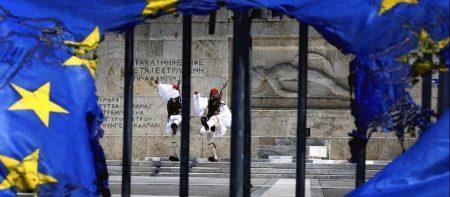 TELEGRAPH: Αφήστε την Ελλάδα να χρεοκοπήσει