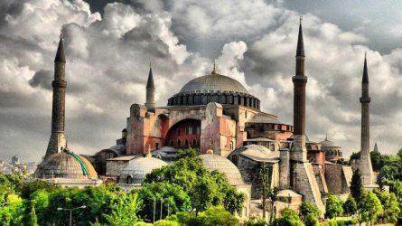 Συνέχεια στις προκλήσεις- Μόνιμο Ιμάμη Διόρισε O Ερντογάν Στην Αγία Σοφία