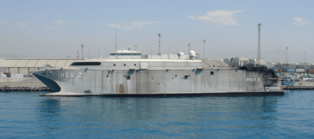 ΑΠΟΚΛΕΙΣΤΙΚΟ : Στην Ελλάδα για επισκευές το ταχύπλοο μεταφορικό καταμαράν HSV-2 Swift (Video)