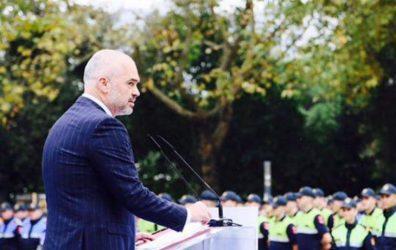 Ράμα σε Ερντογάν: Ευχαριστούμε που έντυσες την αλβανική αστυνομία