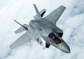 Μία… μοίρα F-35 ζητά ο Καμμένος