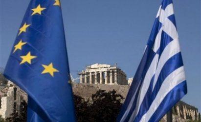 Forbes: Έπρεπε να αφήσουν την Ελλάδα να χρεοκοπήσει και να φύγει από το ευρώ