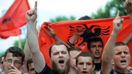 Προειδοποίηση με βέτο της Ελλάδας κατά της Αλβανίας για τις προκλήσεις στη Χιμάρα