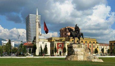 Την θυγατρική της ΕΤΕ στην Αλβανία αγόρασε τράπεζα που συνδέεται με τον Έντι Ράμα