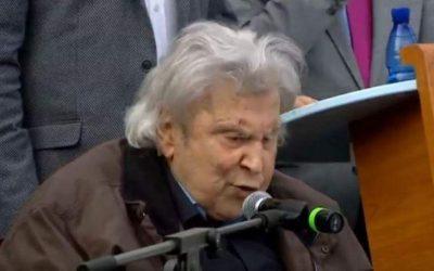 Μίκης Θοδωράκης: Αν υποχωρήσουμε θα είμαστε άξιοι της μοίρας μας