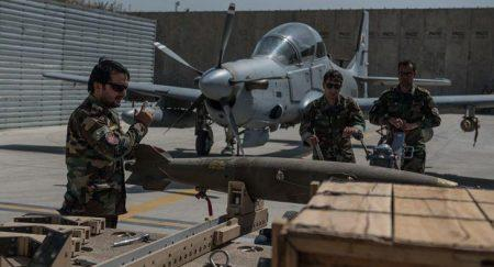 A-29 Super Tucano χτυπά Ταλιμπάν με καθοδηγούμενη λέιζερ βόμβα