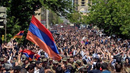 Η κρίση στην Αρμενία ανησυχεί τη Ρωσία