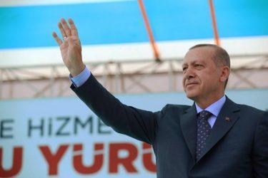 Φανατίζει τους Τούρκους ο Ερντογάν: Την Σμύρνη την έκαψαν οι Έλληνες στρατιώτες, την ώρα που υποχωρούσαν!