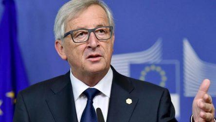 Γιούνκερ: Κρατήσαμε την Ελλάδα στην Ευρωζώνη παρά την αντίθετη γνώμη πολλών