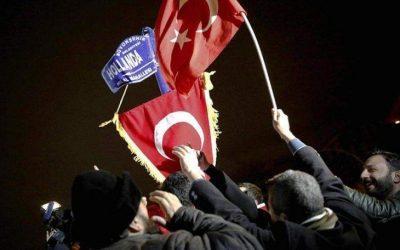 Αυστρία και Ολλανδία απαγορεύουν τις προεκλογικές συγκεντρώσεις των Τούρκων