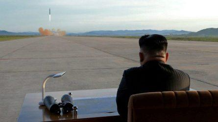 Κατεδαφίζει το κέντρο πυρηνικών δοκιμών της η Βόρεια Κορέα