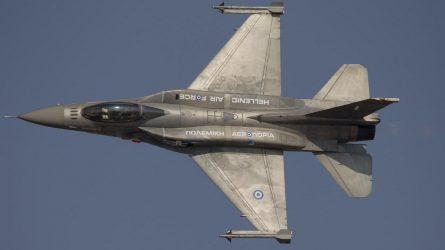 Ελληνικά F-16 συνοδεύουν τον υπουργό άμυνας του Μαυροβουνίου(video)