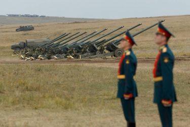 """""""Παιχνίδια Πολέμου"""" στην Vostok2018 – 300.000 στρατιώτες, 30.000 άρματα, 80 πλοία και 1000 αεροσκάφη(photos)"""