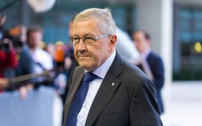 Ρέγκλινγκ: Πάγωμα στα μέτρα για το χρέος εάν δεν τηρηθούν τα συμφωνηθέντα