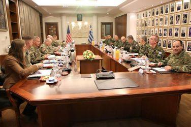 Συνάντηση του Αρχηγού ΓΕΣ με τον Διοικητή του Στρατού των ΗΠΑ στην Ευρώπη