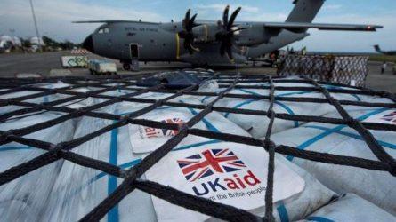 Η RAF παρέδωσε 17,5 τόνους βρετανικής βοήθειας στην Ινδονησία