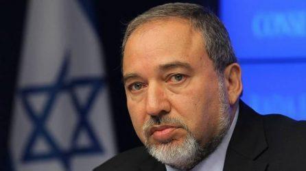 «Yποταγή στον τρόμο» χαρακτήρισε την κατάπαυση πυρός με την Χαμάς και παραιτήθηκε