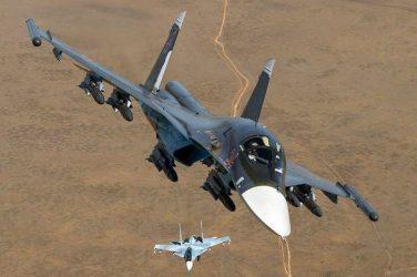 Su-25 & Su-34 πετούν μαζί – Βίντεο με εκπληκτικά κοντινά πλάνα