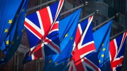Παρίσι σε Λονδίνο: Οποιαδήποτε παραβίαση της συμφωνίας για το Brexit θα είναι «απαράδεκτη»