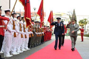 Αλβανία – Το ΝΑΤΟ επενδύει 51 εκ. στην «Πόλη του Στάλιν» – Ελληνικά αεροσκάφη σε τελετή