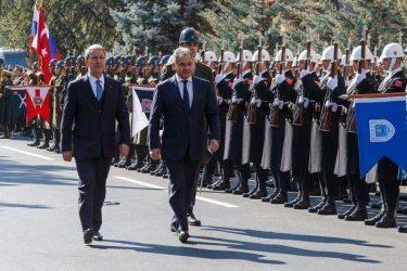 Στην Άγκυρα ο Ρώσος υπουργός Άμυνας