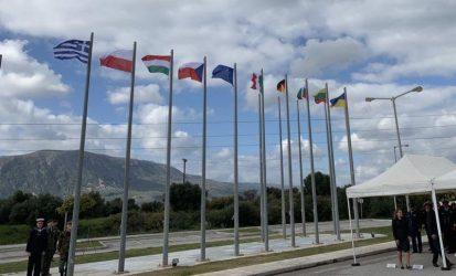 Κρήτη – Η Ουκρανική σημαία δίπλα σε αυτές των άλλων χωρών του ΝΑΤΟ