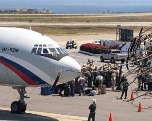 Ανώτερος Ρώσος αξιωματούχος και 100 στρατιώτες στην Βενεζούελα