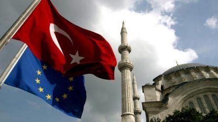 Καταδικάζει η τουρκική κυβέρνηση την απόφαση του ΕΚ για αναστολή των διαπραγματεύσεων