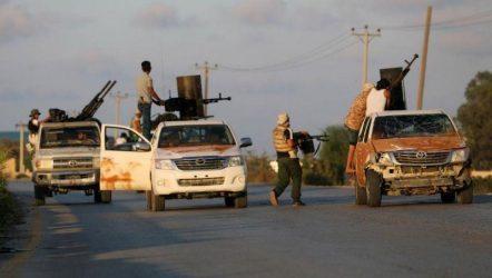 Λιβύη: Αεροπορικές επιδρομές τη νύχτα στην Τρίπολη