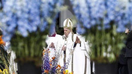 Ο Πάπας Φραγκίσκος καλεί για ειρήνη
