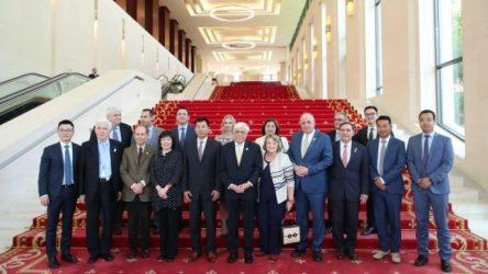 Στο Executive Briefing Center της Huawei, ο Πρόεδρος της Δημοκρατίας Πρ. Παυλόπουλος