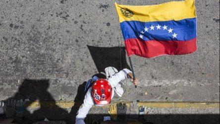 Μόσχα και Ουάσιγκτον υπέρ του διαλόγου στο ζήτημα τις Βενεζουέλας, παρά τις διαφωνίες