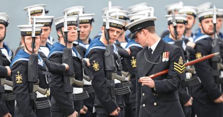 Στρατιωτικές μονάδες θα αποστείλει η Βρετανία στο Μπαχρέιν