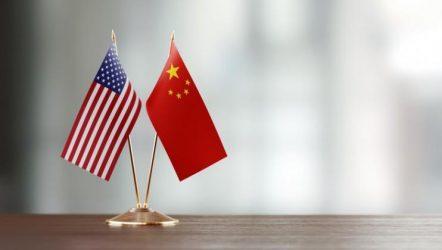 Ο εμπορικός πόλεμος ΗΠΑ-Κίνας βλάπτει και τις δύο χώρες, σύμφωνα με έκθεση του ΟΗΕ