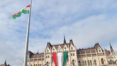Η Κομισιόν προσφεύγει στην ευρωπαϊκή δικαιοσύνη κατά της Ουγγαρίας
