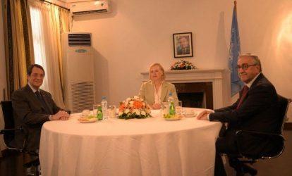 Άτυπη συνάντηση Αναστασιάδη – Ακιντζί. Τι περιλαμβάνει η ατζέντα