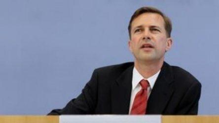 Στέφεν Ζάιμπερτ: Απόλυτη εμπιστοσύνη του Βερολίνου στην ελληνική κυβέρνηση