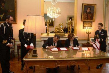 Στην Γαλλία ο Υπουργός Άμυνας – Τι συζήτησε με την Γαλλίδα ομόλογο του