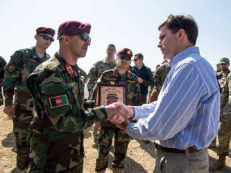 Αμερικανός υπουργός Αμυνας: Οι δυνάμεις μας δεν θα αποχωρήσουν από το Αφγανιστάν