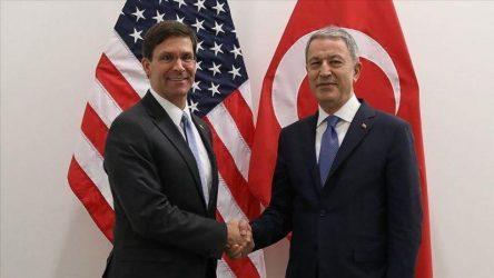 Ο Τούρκος υπουργός άμυνας ζήτησε από τις ΗΠΑ να σταματήσουν να εξοπλίζουν τους Τούρκους