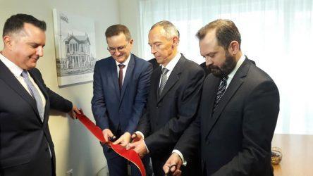 """Ρωσικό Προξενείο Αλεξανδρούπολης: """"Από μακριά και αγαπημένοι"""" οι θεσμικοί του Έβρου"""