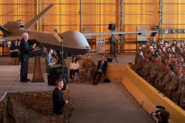 Αιφνιδιαστική επίσκεψη του Αμερικανού αντιπροέδρου Μάικ Πενς στο Ιράκ