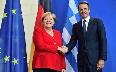 Επικοινωνία Μητσοτάκη-Μέρκελ για την κατάσταση στην Τουρκία και το μεταναστευτικό
